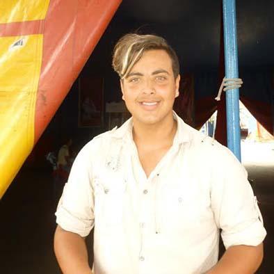 """""""El circo nos mueve"""", dice Dante Fuentes Gasca, de esta familia circense"""