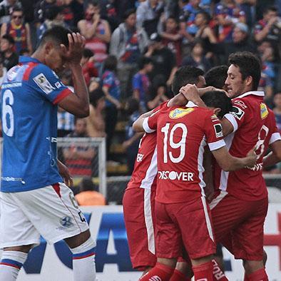 """Liga gana el clásico capitalino y deja a los """"chullas"""" en zona de descenso"""