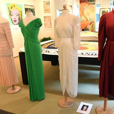 Subastan vestidos de la princesa Diana de Gales