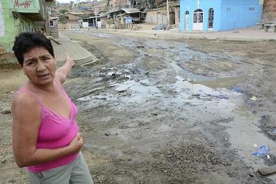 Moradores de Picoazá se quejan por rebose de aguas servidas