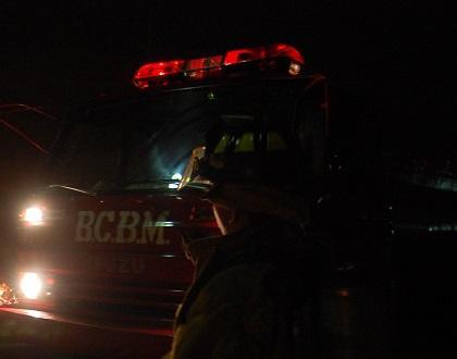 Bomberos apagan llamas en CNT