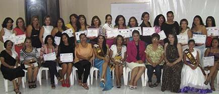 Cursos generan nuevas mujeres artesanas