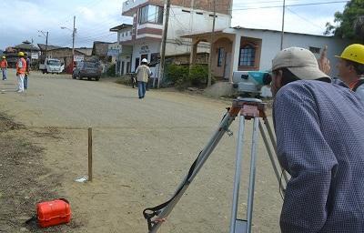 Inician trabajos de construcción del malecón del Puerto López