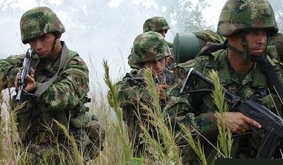 Investigan a dos generales del Ejército colombiano por desvío de recursos