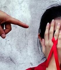 Un pueblo chino recoge firmas para expulsar a niño de 8 años por tener VIH