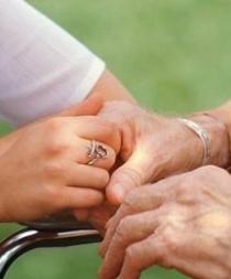 Japón aceptará más extranjeros como cuidadores para la tercera edad