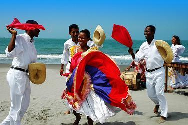 Alcalde de Esmeraldas se hermana con ciudad española para mejorar el turismo