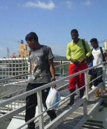 Panamá recibe dos náufragos ecuatorianos y uno colombiano rescatados por EE.UU.