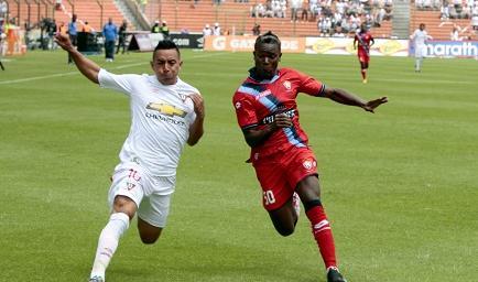 Liga de Quito ganó por 1-0 a El Nacional