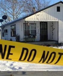 Mató a siete personas aparentemente tras hallar a su madre muerta