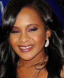 Familiares tienen pocas esperanzas de que la hija de Whitney Houston se recupere