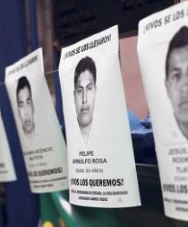 Padres de jóvenes desaparecidos en México piden ayuda a narco para hallarlos