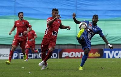 Emelec empata 0-0 con River Ecuador en el Capwell