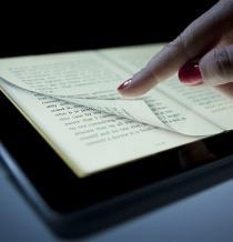 Los chinos ya leen más en pantalla que en papel, según sondeo oficial
