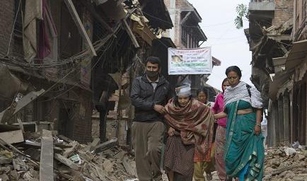 La cifra de los muertos en el terremoto de Nepal alcanza los 2.357
