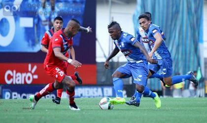 Miller Bolaños dio la victoria con dos goles a Emelec ante Nacional