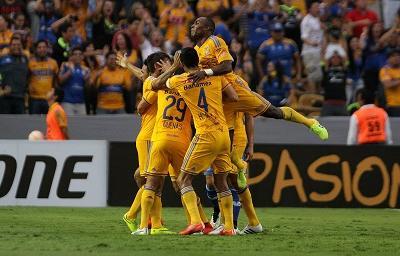 ¡SEMIFINALISTA! Tigres clasifica tras vencer 2 - 1 a Emelec en el global