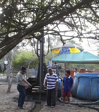 Construyen pozos en La Pila