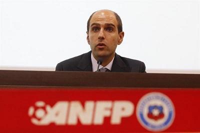 Presidente del fútbol chileno será sometido a 4 auditorías por caso FIFA