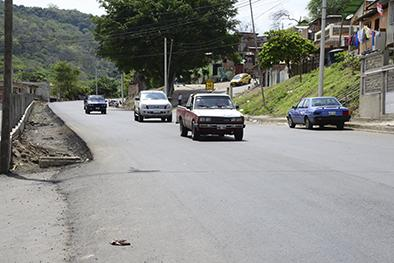 Reclaman por falta de señales de tránsito y alumbrado público