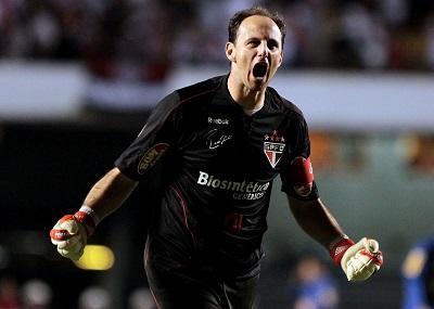 Rogério Ceni renueva con Sao Paulo y pospone jubilación hasta final del año