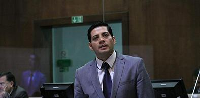 Legislador se desafilia de Alianza PAIS