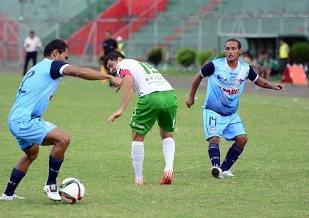 Manta ganó por 2-1 a Liga de Portoviejo en el Reales Tamarindos
