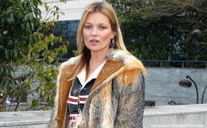 Kate Moss es sacada de un avión por mal comportamiento
