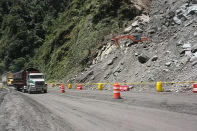 Vía Alóag-Santo Domingo habilitada las 24 horas