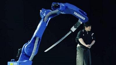 Un robot japonés imita el arte de un maestro de la espada nipona