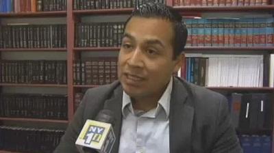 Migrante mexicano sería el primer abogado indocumentado de Nueva York