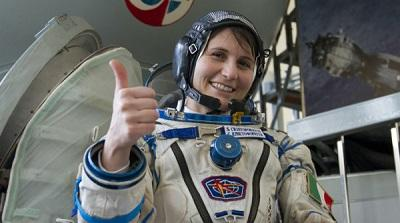 Cristoforetti, la astronauta tuitera que batió el récord femenino en órbita