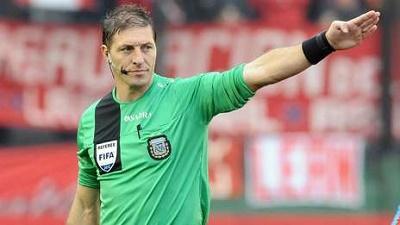 El argentino Néstor Pitana arbitrará partido inaugural entre Chile y Ecuador