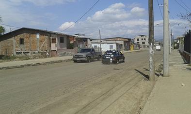 Piden controlar velocidad en calle de Leonidas Plaza