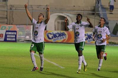 Liga de Portoviejo doblega al Macará con goles de Valencia y Rodríguez