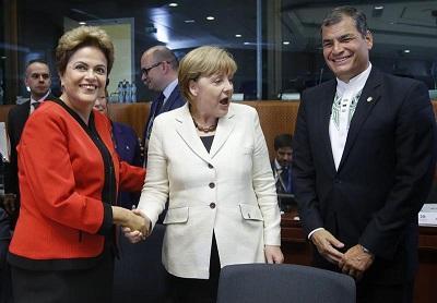 Correa dice que cooperación de UE con América Latina debe centrarse en crear talento