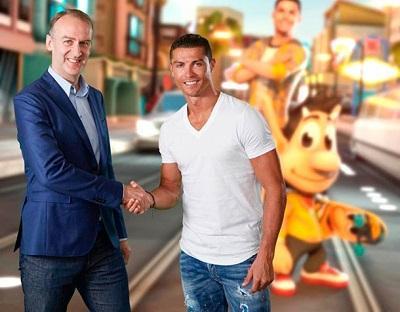 Cristiano Ronaldo huye del 'Papparazzi Pete' en el juego del troll Hugo