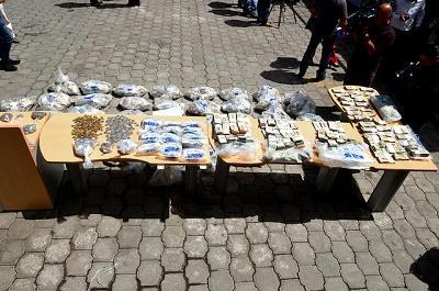 Policía quemó más de 2,5 millones de dólares falsos