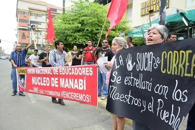 Simpatizantes y opositores del Gobierno se manifiestan en Portoviejo y Manta