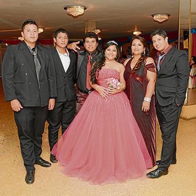 Angie caicedo celebra su cumpleaños en familia
