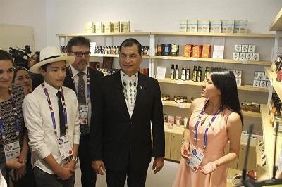 Rafael Correa visita la Expo Milán en el día nacional de Ecuador