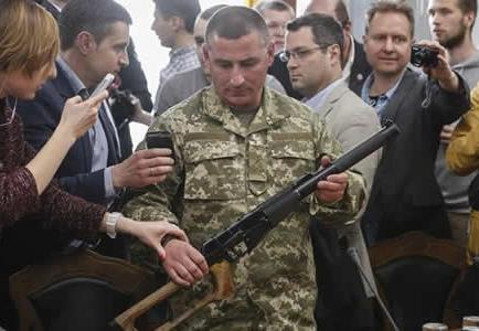 Atacan con ladrillos y basura el consulado de Ucrania en el sur de Rusia