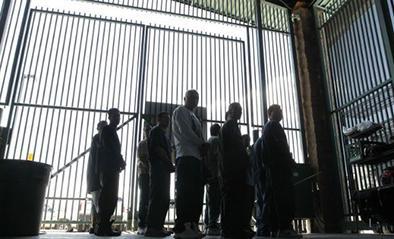 Indocumentados inician huelga