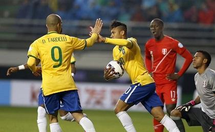 Copa América: Costa da la victoria a Brasil ante Perú (2-1)