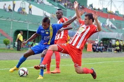 Pereira da la victoria a Delfín ante Técnico Universitario