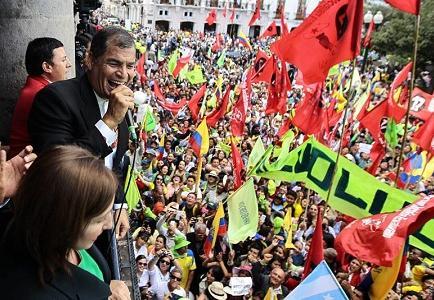 Rafael Correa reta a la oposición a pedir la revocatoria de su mandato
