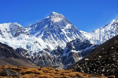 El Everest se desplazó 40 centímetros en 10 años, según geólogos