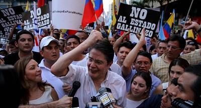 Lasso le 'toma la palabra' a Correa y pide ser recibido en la Asamblea
