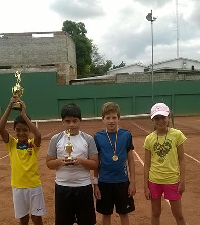 4 Ganadores en torneo interno del Tenis Club