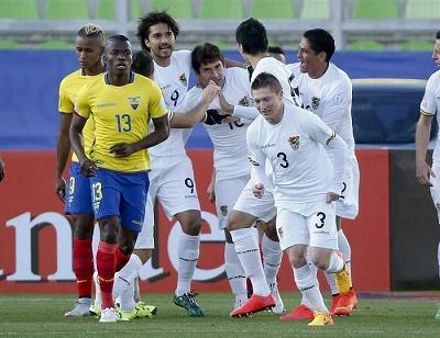 Ecuador pierde por 3-2 ante Bolivia y queda al borde de la eliminación